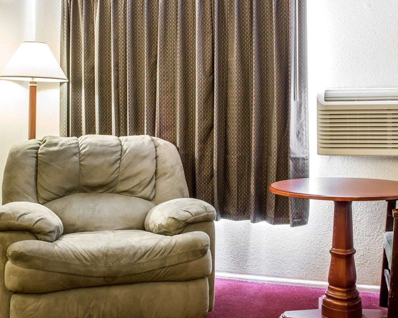 Room - Rodeway Inn Winslow