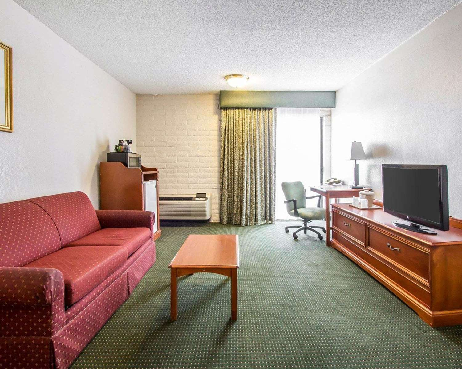 Room - Quality Inn Downtown Tucson