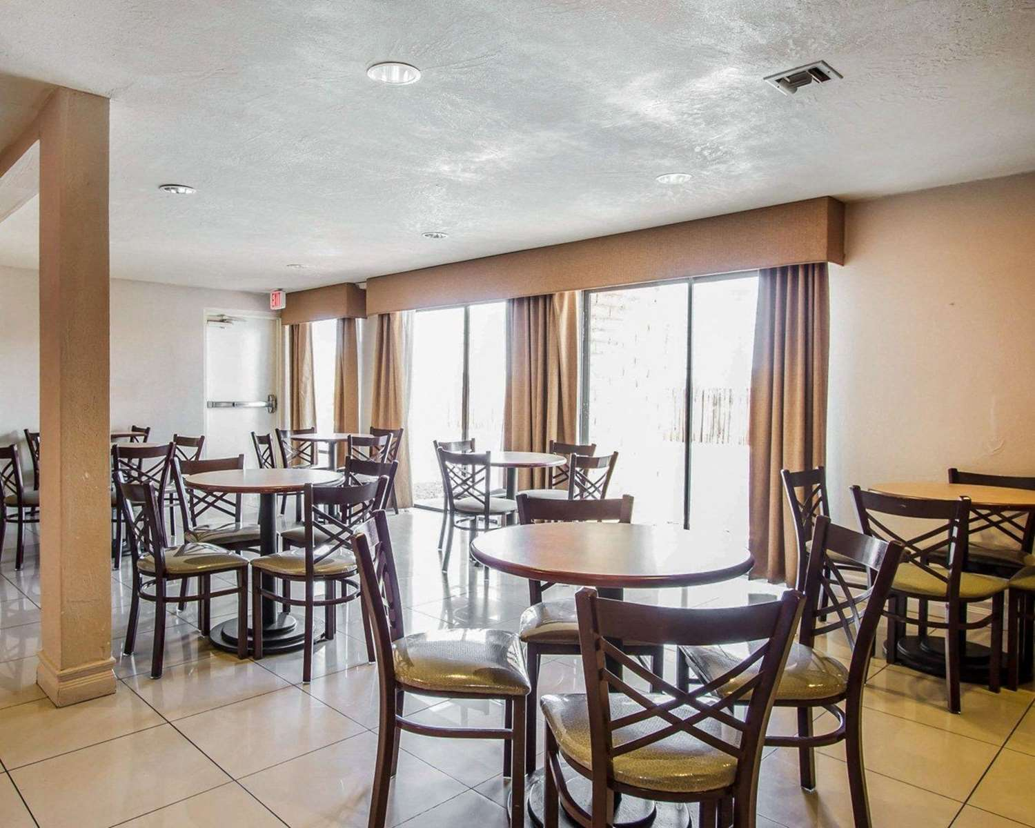 Restaurant - Quality Inn Downtown Tucson