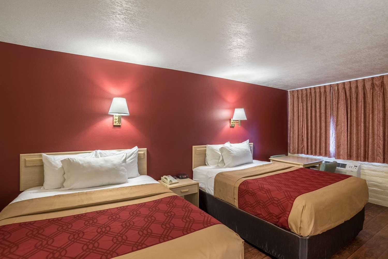 Room - Econo Lodge Holbrook