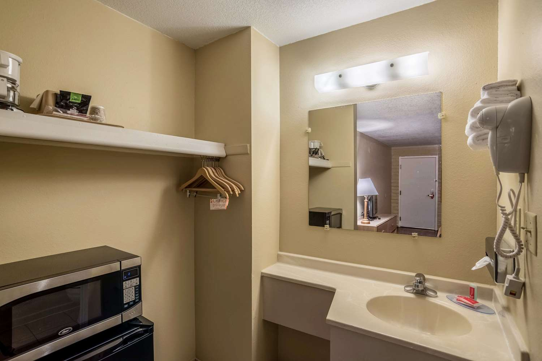 Suite - Econo Lodge Holbrook