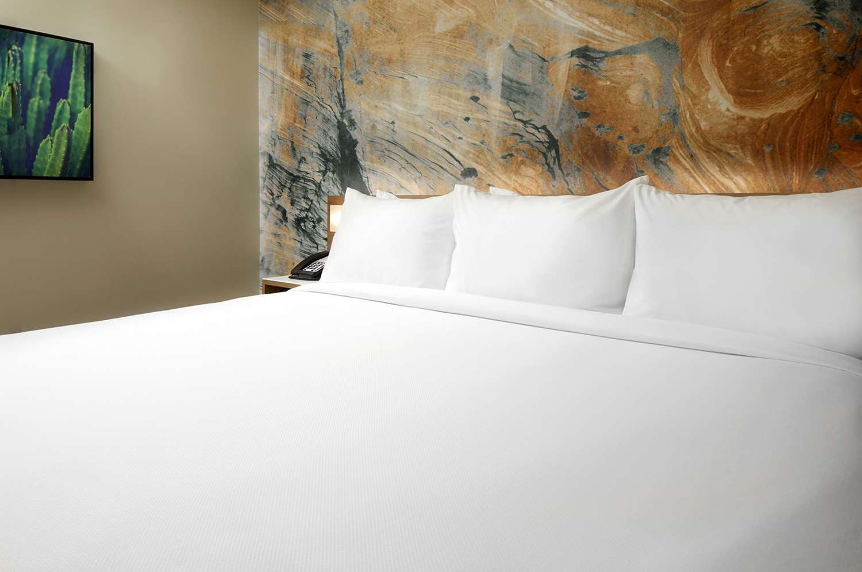 Suite - Cambria Hotel & Suites Chandler