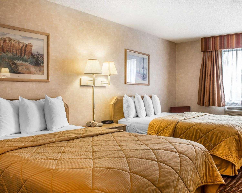 Room - Quality Inn & Suites Yuma