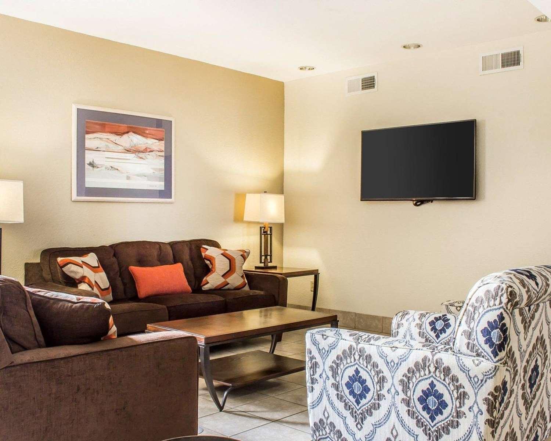 Lobby - Quality Inn & Suites Yuma