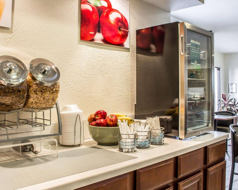 Restaurant - Quality Inn & Suites Yuma