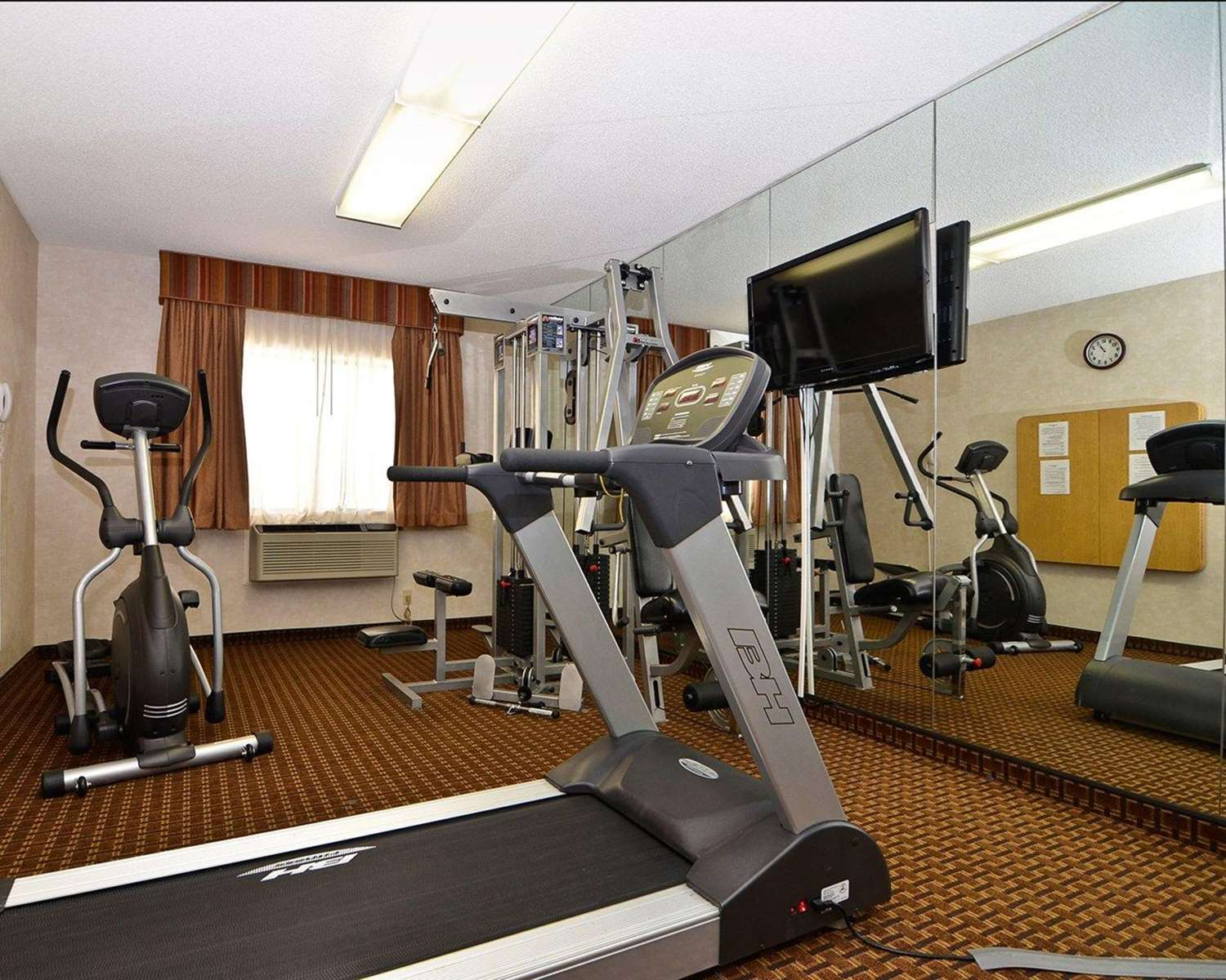 Fitness/ Exercise Room - Quality Inn & Suites Yuma