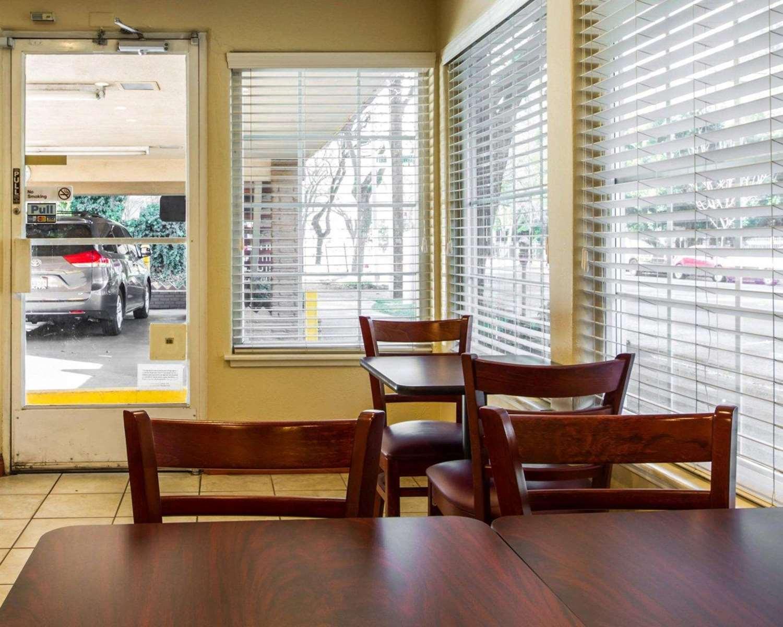 Restaurant - Econo Lodge Sacramento