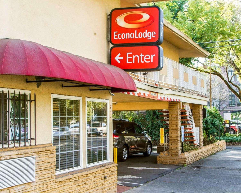 Exterior view - Econo Lodge Sacramento