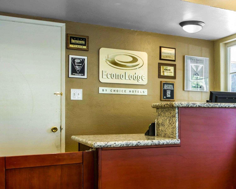 Lobby - Econo Lodge Sacramento