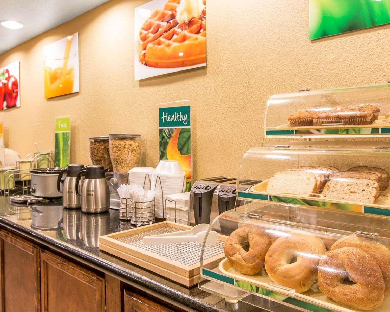 Restaurant - Quality Inn Modesto