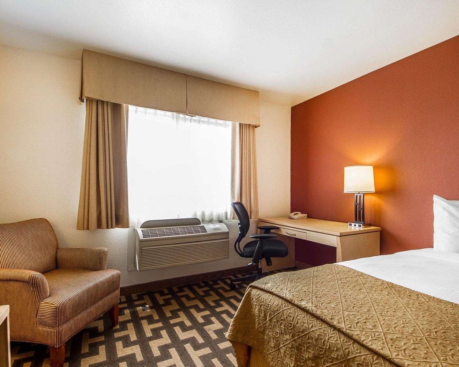 Room - Quality Inn Petaluma