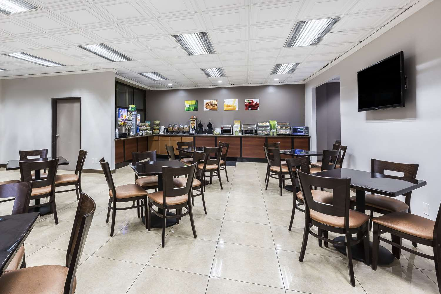Restaurant - Quality Inn & Suites LAX Airport Inglewood