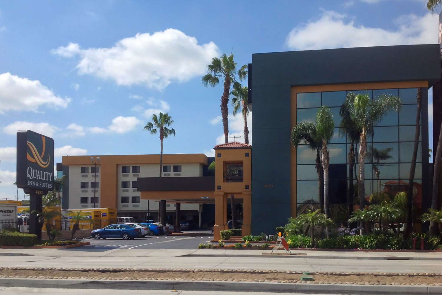 Exterior view - Quality Inn & Suites LAX Airport Inglewood