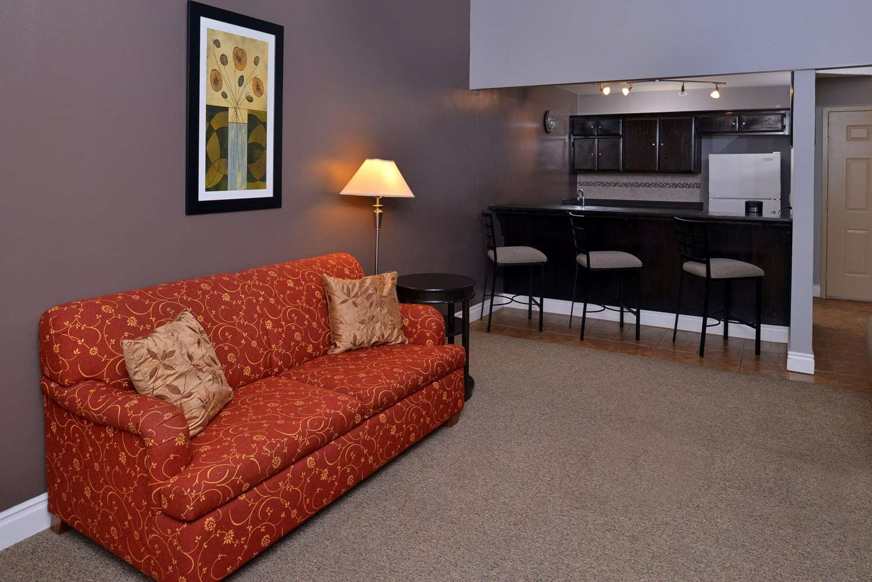 Room - Quality Inn & Suites Indio