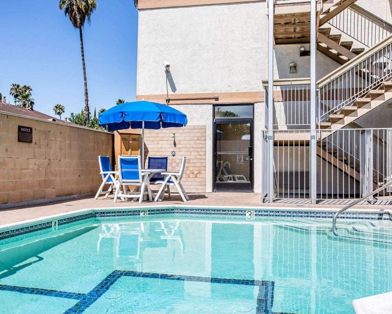 Pool - Comfort Inn Pasadena