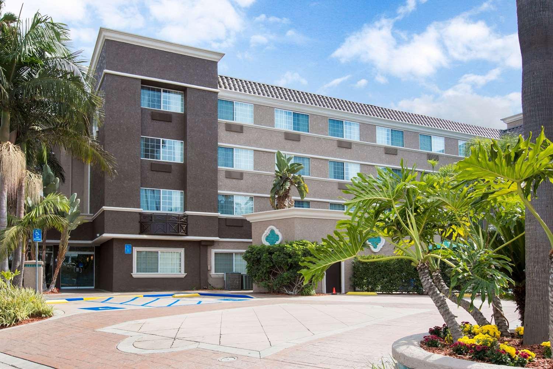 Exterior view - Comfort Inn & Suites Zoo SeaWorld San Diego