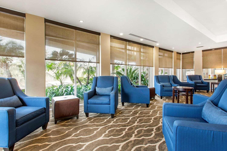 Lobby - Comfort Inn & Suites Zoo SeaWorld San Diego