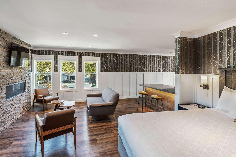 Suite - UpValley Inn & Hot Springs Calistoga