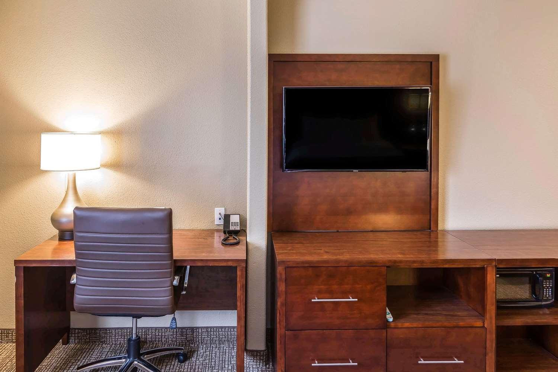 Suite - Comfort Suites Airport San Jose