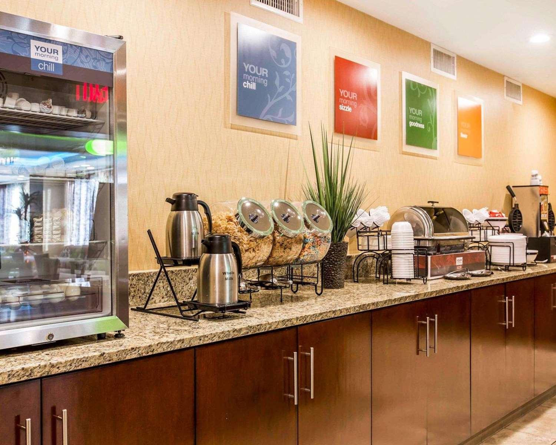 Restaurant - Comfort Inn & Suites Anaheim