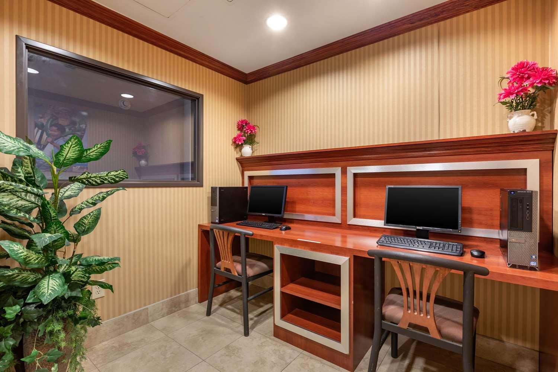 Conference Area - Comfort Inn & Suites Anaheim