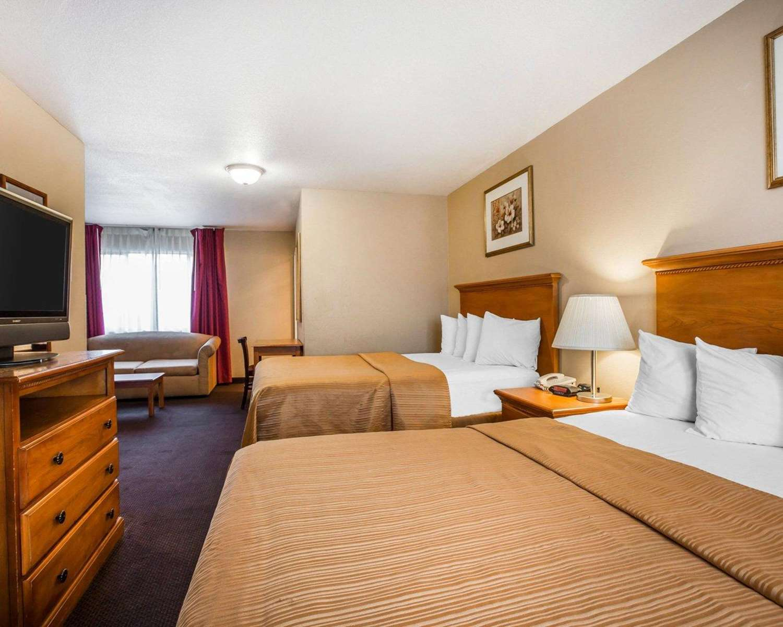 Suite - Econo Lodge Tracy
