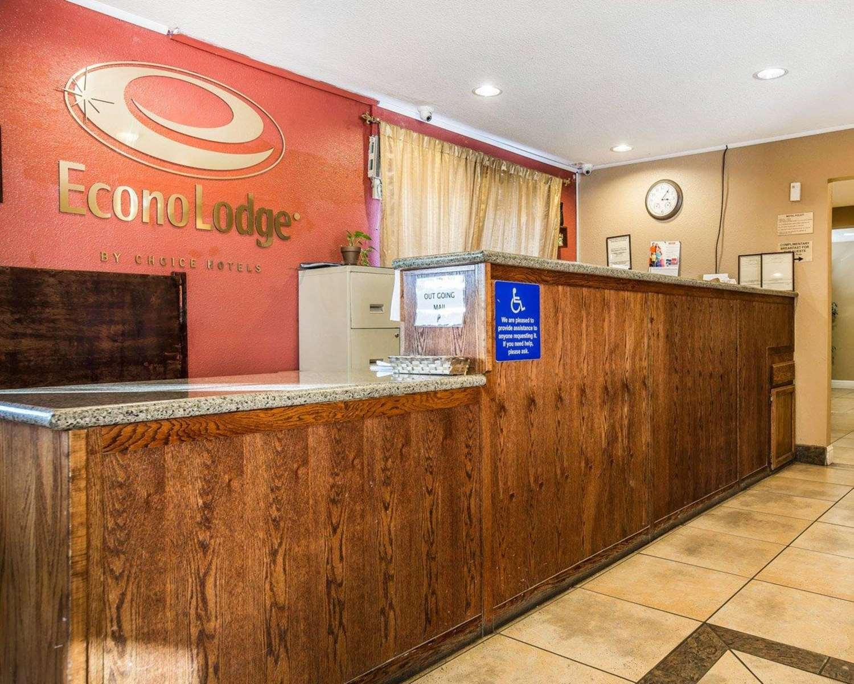 Lobby - Econo Lodge Tracy