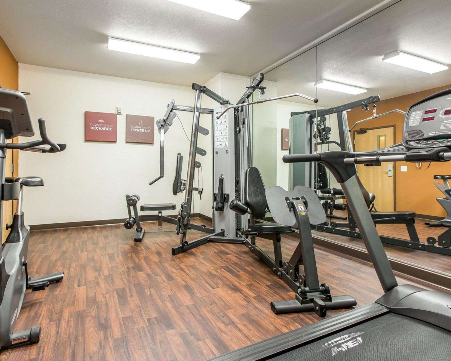 Fitness/ Exercise Room - Comfort Suites Palm Desert