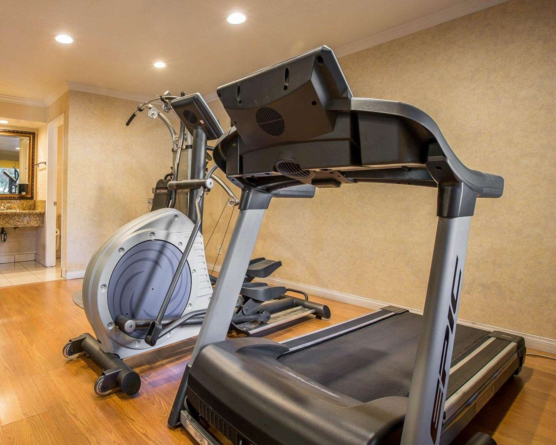 Fitness/ Exercise Room - Quality Inn Ontario