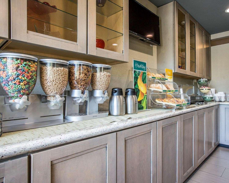 Restaurant - Quality Inn Ontario