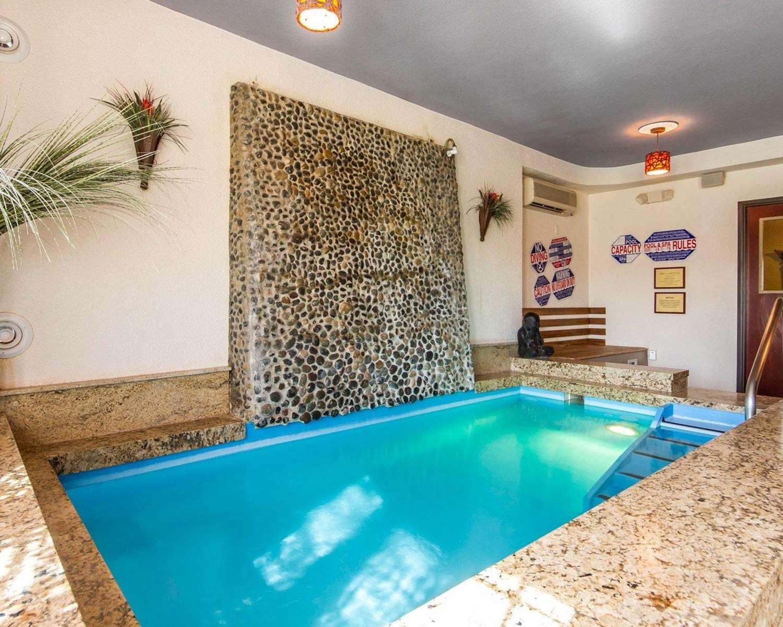 Pool - Villa Montes Hotel San Bruno