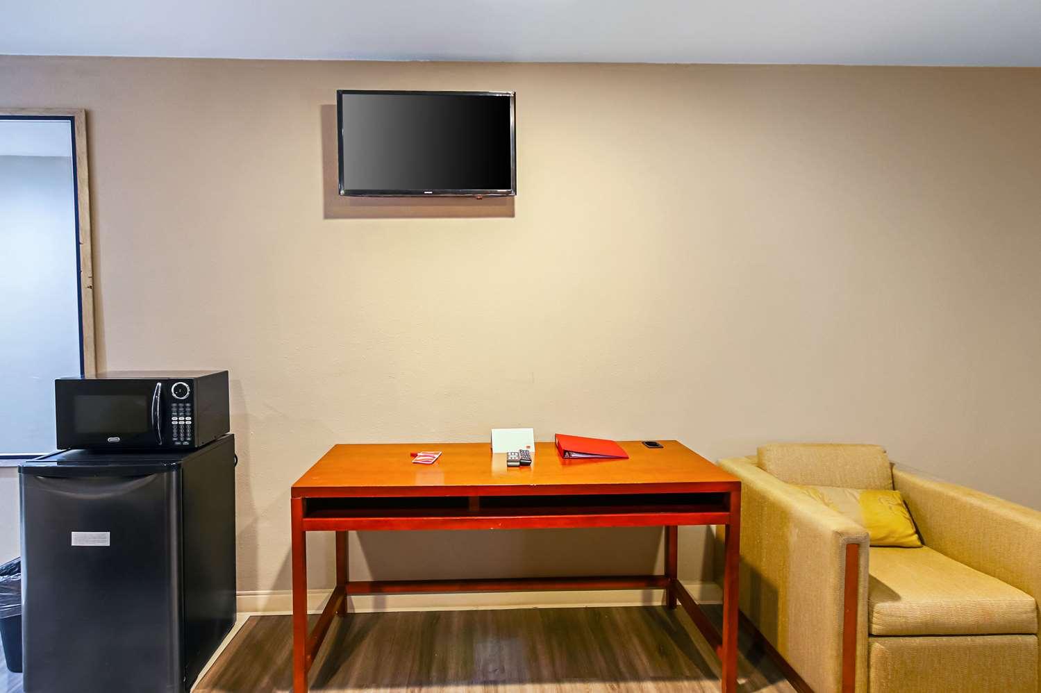 Room - Econo Lodge San Bernardino