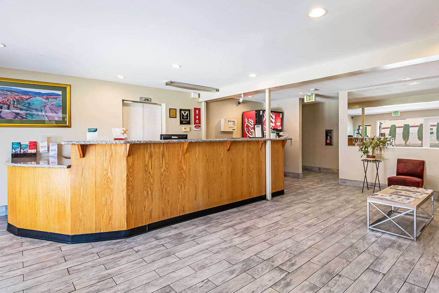 Lobby - Econo Lodge Inn & Suites Yuba City