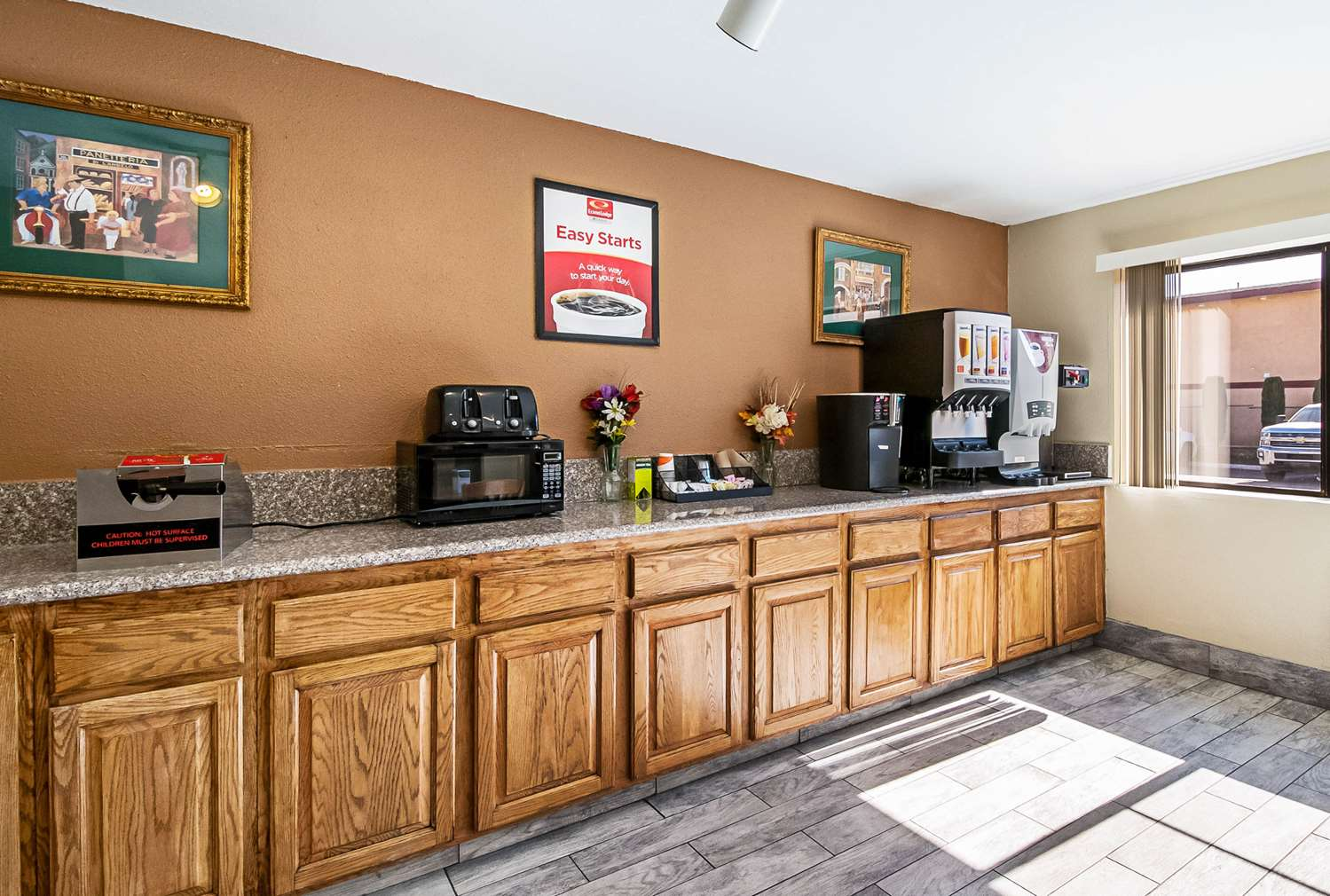 Restaurant - Econo Lodge Inn & Suites Yuba City