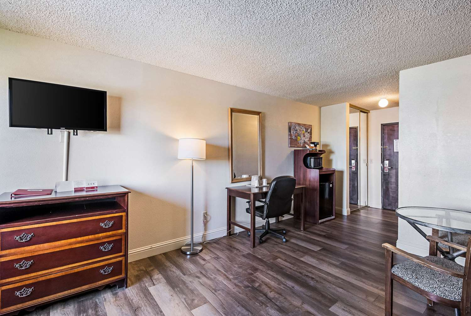 Suite - Econo Lodge Inn & Suites Yuba City