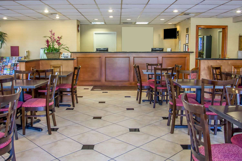 Lobby - Quality Inn UC Riverside