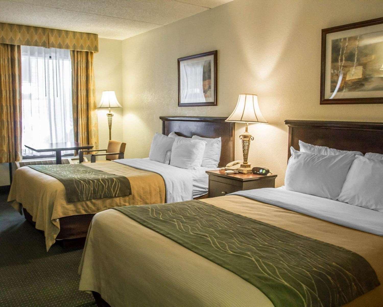 Room - Quality Inn UC Riverside