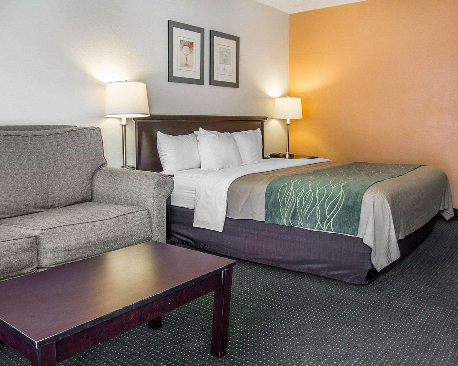 Suite - Quality Inn UC Riverside