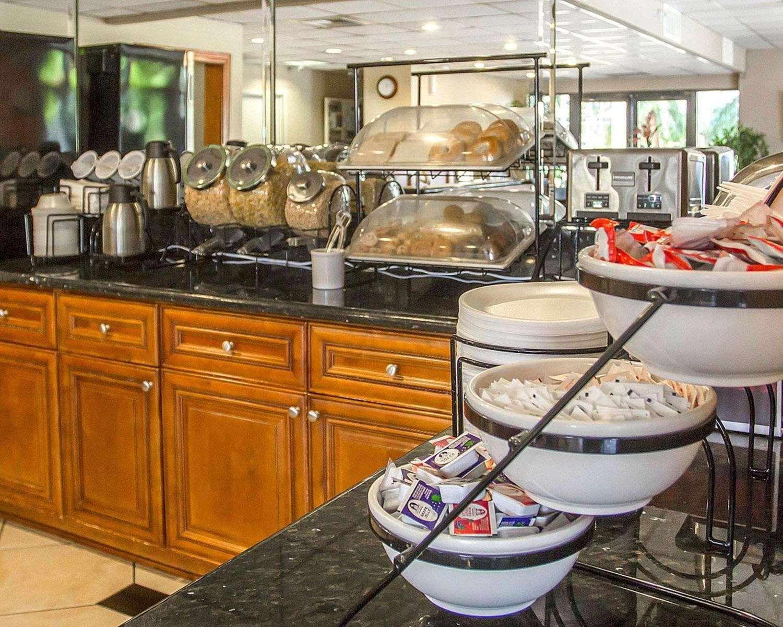 Restaurant - Quality Inn UC Riverside