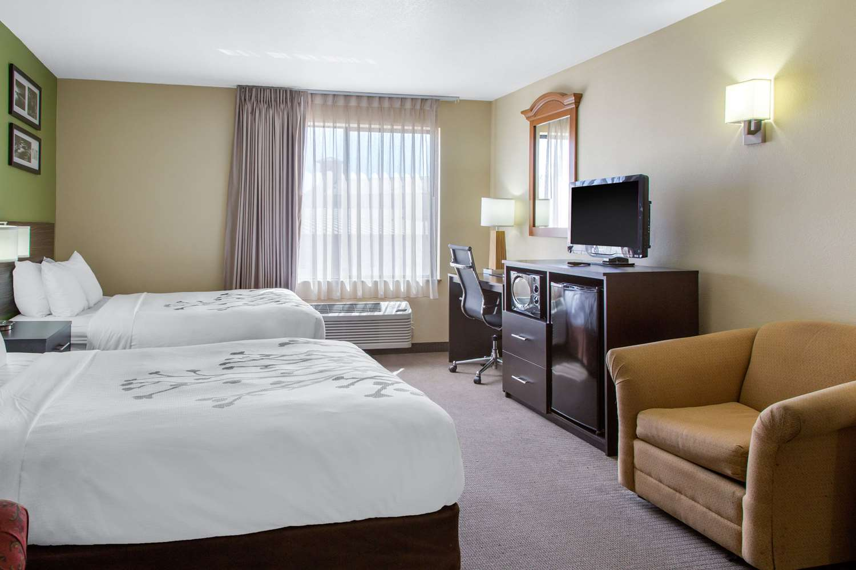 Suite - Sleep Inn & Suites Bakersfield