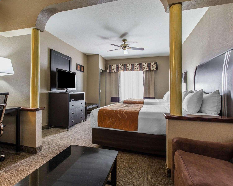 Suite - Comfort Suites Bakersfield