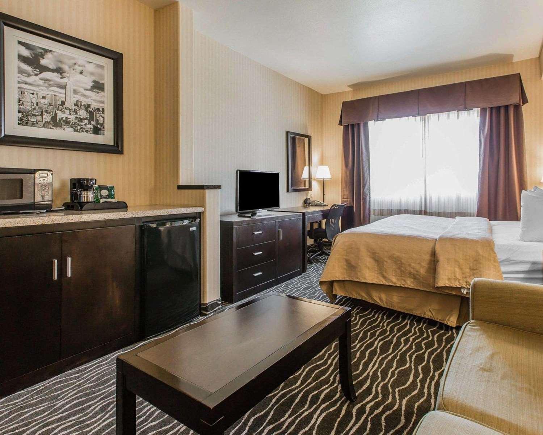 Suite - Quality Inn Rosemead