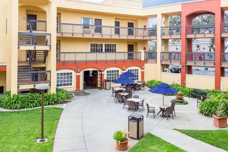 Comfort Inn Amp Suites Sfo Airport South San Francisco Ca