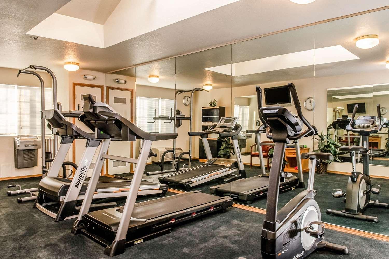 Fitness/ Exercise Room - Clarion Resort Eureka