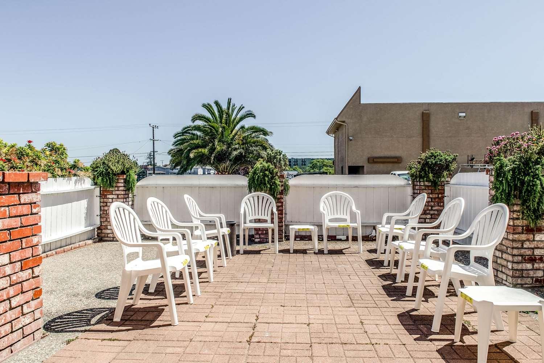 Pool - Clarion Resort Eureka