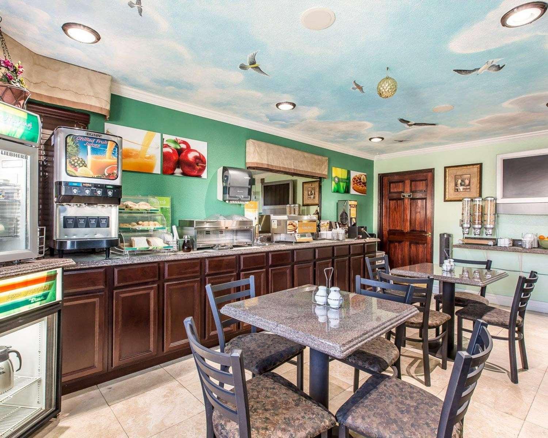 Restaurant - Quality Inn Hemet