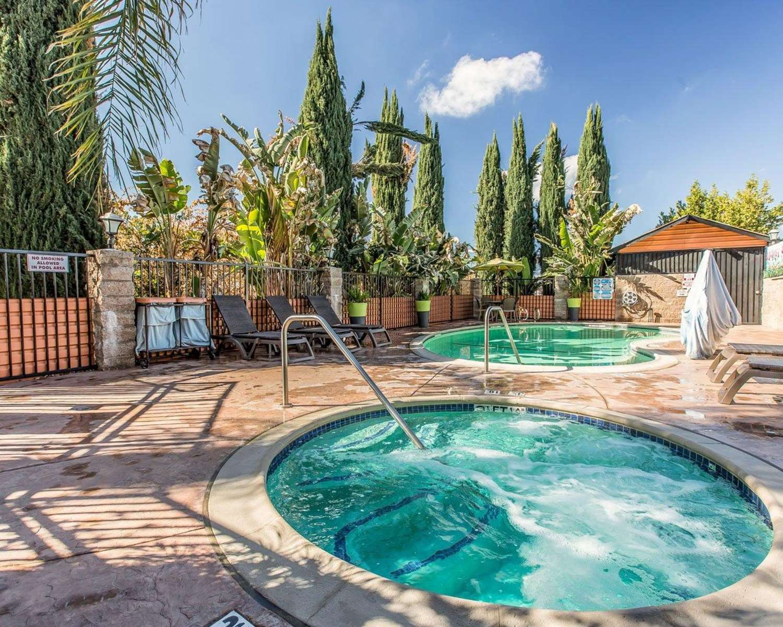 Pool - Quality Inn Hemet