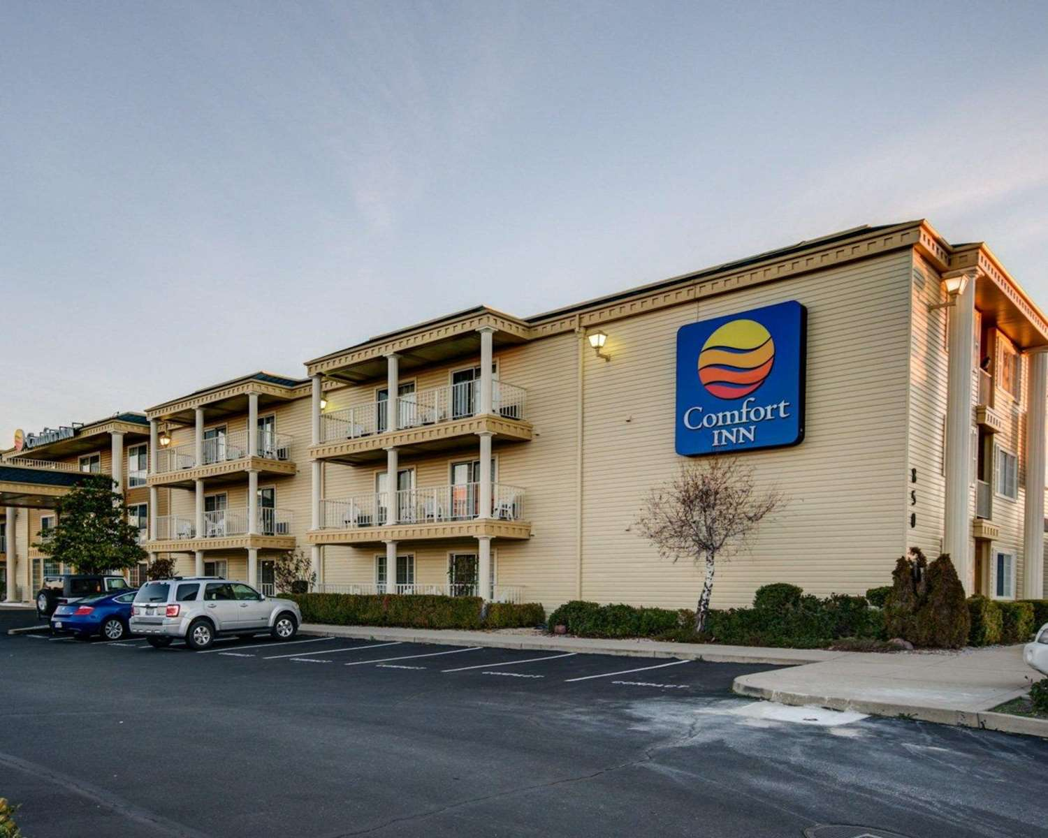 Exterior view - Comfort Inn Redding