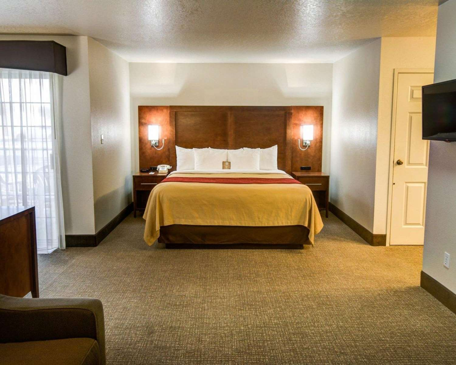 Suite - Comfort Inn Redding