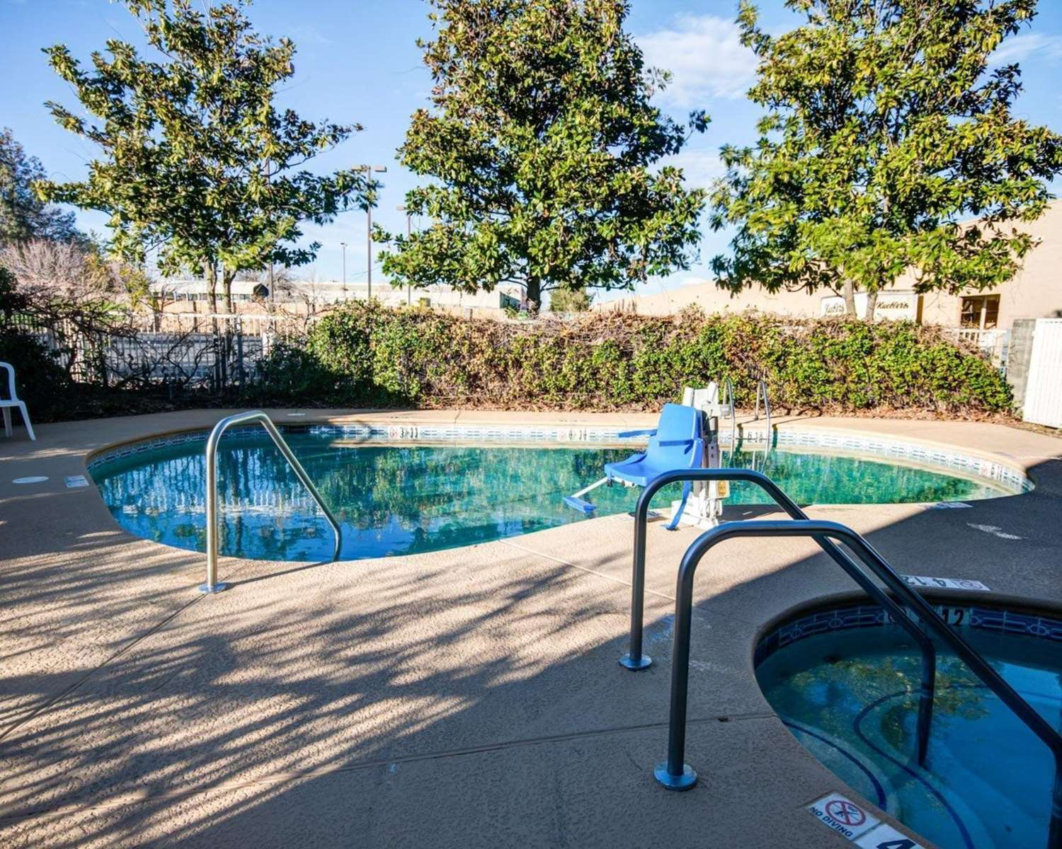 Pool - Comfort Inn Redding
